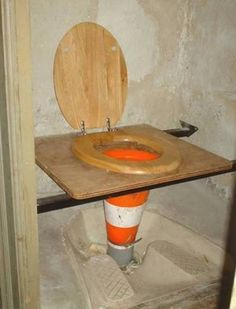Vous ne vous plaindrez plus jamais des toilettes du bureau après ça.