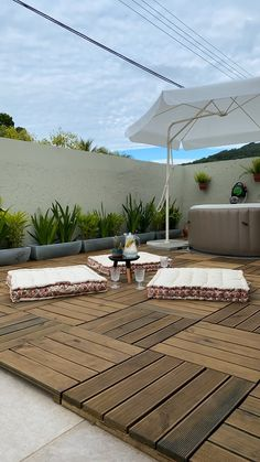 We transformed the external BALCONY of CAFOFO ! She was wonderful, full of persona - Rooftop Decor, Rooftop Terrace Design, Terrace Garden Design, Rooftop Patio, Backyard Patio, Desert Backyard, Terrace Decor, Resin Patio Furniture, Outdoor Furniture