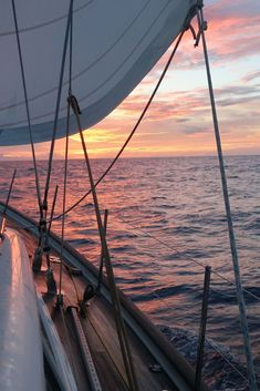 Do you want to go sailing? Get your free sailing guides here. 10 Steps To Becoming A Cruiser, How To Buy A Boat and We Got The Boat - Now What Do We Do! Yes to this view! Outdoor Reisen, Wooden Sailboat, Laser Sailboat, Buy A Boat, The Boat, Sail Away, Set Sail, Belle Photo, Glamping