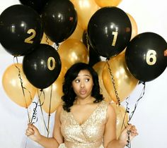 Gorgeous senior picture idea! Gold & black, could use school colors. Senior pictures, senior pictures for girls