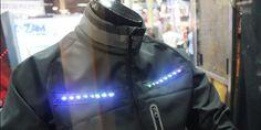 Умная куртка Lumenus сигнализирует об изменении направления для велосипедистов