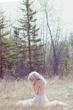 Outdoor Boudoir Photography - Boudoir Poses -  Jennifer Georgette Photography