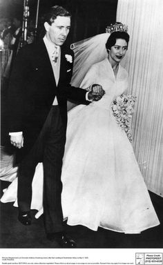 Princess Margaret - and Antony Armstrong-Jones leaving Westminster Abbey after their wedding. (Photo by Central Press/Getty Images) Princess Margaret Wedding, Princess Wedding, British Family, Westminster Abbey, Royal Weddings, Queen Elizabeth, Wedding Ceremony, Wedding Photos, Wedding Dresses