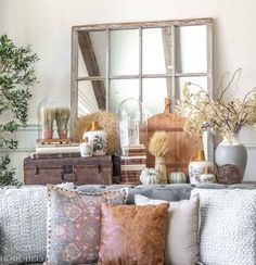 Simple fall decorating ideas to transform your home. Try these simple steps to create beautiful seasonal displays in any room. Autumn Decorating, Decorating Ideas, Decor Ideas, Elegant Homes, Romantic Homes, Bright Decor, French Country Living Room, Modern Farmhouse Design, Bright Homes