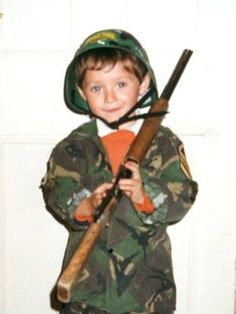 niall horan, nialler, one direction, One Direction Photos, I Love One Direction, Hottest Guy Ever, Naill Horan, Niall And Harry, Childhood Photos, Sweet Guys, Attractive Guys, James Horan