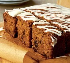 "Previous pinner said ""This is honestly THE best carrot cake recipe EVER. I usually just mix up icing sugar with some orange juice and drizzle over. Easy Carrot Cake, Moist Carrot Cakes, Vegan Carrot Cakes, Carrot Cake Recipe Bbc, Carrot Cake Traybake, Bbc Good Food Recipes, Great Recipes, Cooking Recipes, Yummy Food"