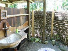 outdoor sinks/showers