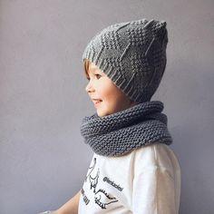 Доброе утро Впереди самая короткая неделя люблю праздники за это На Платоше модель шапки которая хорошо подойдёт как для мальчиков, так и для девочек. Связана по мк @anna_bermont на заказ!