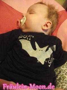 #Baby #Gothic #Rockabilly #Rockabella #HeavyMetal #HelloKitty#schwarzWeiss #Vintage #Punk #Gothic #Leoprint #Mode #Kleidung #Zebra #rosa #Kinder #Kitsch