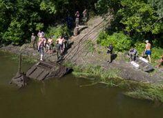 Единственный уцелевший танк Т-34-76 подняли со дна реки Дон под Воронежем