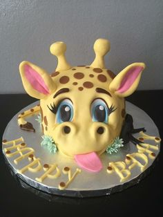 Gogascakes制作的3D长颈鹿蛋糕