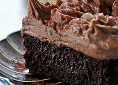 If you need a perfect chocolate cake, look no further than Nan's chocolate cake with fudge frosting. Chocolate Pudding Cake, Perfect Chocolate Cake, Fudge Frosting, Fudge Cake, Cake Recipes, Dessert Recipes, Jewish Recipes, Food And Drink, Cooking Recipes
