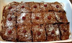 Νηστίμο σιροπιαστό κέικ Black forest..... Banana Bread, Cooking Recipes, Desserts, Food, Tailgate Desserts, Deserts, Chef Recipes, Essen, Postres