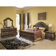 This Wilshire 4-piece king bedroom set is an updated spin on a ...