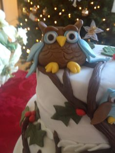 Owl cake. Christmas. Fondant top view