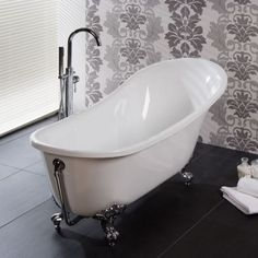 This Luxury 1620mm Slipper Bath is a mix of Contemporary and Traditional Design. Also available with a Black Exterior.