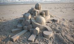 O que acontece quando um artista resolve brincar de fazer castelinhos de areia