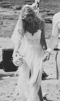 Hollie dress, Grace Loves Lace - bohemian wedding dress for a beach wedding? Simple Beach Wedding, Boho Wedding, Perfect Wedding, Wedding Gowns, Dream Wedding, Trendy Wedding, Wedding Bouquets, Lace Beach Wedding Dress, Ethereal Wedding