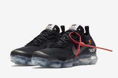 "Off-White x Nike Air VaporMax ""Black"" - EU Kicks: Sneaker Magazine Running Sneakers, Running Shoes Nike, Sneakers Nike, Nike Shoes, Nike Air Vapormax, Sneaker Magazine, New York Fashion, Milan Fashion Weeks, Africa Fashion"