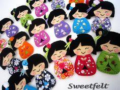 ♥♥♥ Pregadeiras Gueixanoskas!! Coloridas e sorridentes!! by sweetfelt \ ideias em feltro, via Flickr