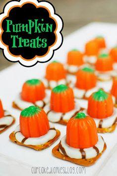 Cupcake Diaries: 15 Halloween Treat Ideas