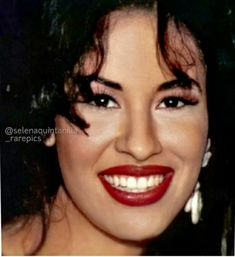 Selena Quintanilla Perez, Everything She Wants, Celebrities, Makeup, Smile, Queen, Beautiful, Fashion, Make Up