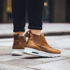 Nike Air Max Thea Mid: Ale Brown