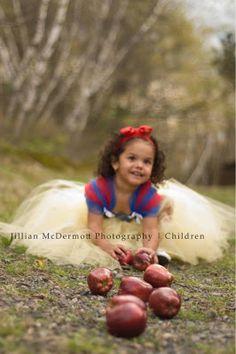Jillian McDermott Photography | Poconos and Northeast PA Area Photographe: Miss Izabella's Snow White Inspired Session | Northeast, PA and Poconos Children Photographer