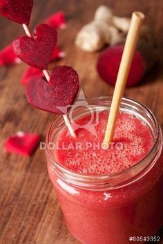 https://pl.dollarphotoclub.com/stock-photo/Red Smoothie with beet, rose petals, ginger/80543352Dollar Photo Club - miliony zdjęć stockowych w cenie 1$ każde