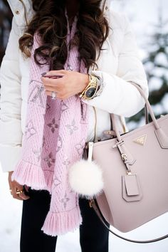 The Sweetest Thing: Pops of Pink (Snow Day in Park City) Louis Vuitton Scarf, Louis Vuitton Handbags, Mode Outfits, Fashion Outfits, Womens Fashion, Fashion Bags, Fashion Styles, Latest Fashion, Fashion Accessories