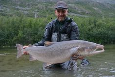 Ingolfur D. Sigurdsson and a huge Norway Atlantic salmon on the fly. Bass Fishing Tips, Crappie Fishing, Gone Fishing, Saltwater Fishing, Kayak Fishing, Fishing Reels, Pretty Fish, Beautiful Fish, Fishing In Canada