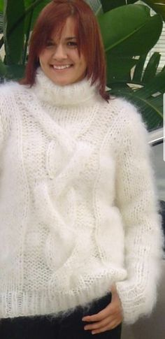 Fluffy Sweater, Angora Sweater, Thick Sweaters, Women's Sweaters, Red T, Sweater Outfits, Pj, Vests, Jumper