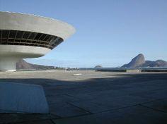 Museu de Arte Contemporâneo de Niterói Fonte: http://pt.wikiarquitectura.com/index.php/Museu_de_Arte_Contempor%C3%A2neo_de_Niter%C3%B3i