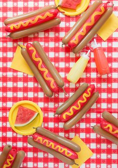 Balloons aren't just for little kids! People of any age can appreciate these hot dog balloons! DIY your own for your next BBQ – or just for fun!