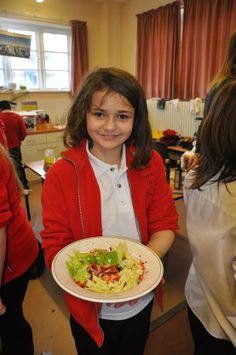 'Build your own rainbow salad' made by the young pupils at Hythe Primary during their latest cooking class!