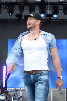 Chase Rice Country Artists, Country Singers, Chase Rice, Hot Country Boys, Hot Cowboys, Man Crush Everyday, Florida Georgia Line, Scotty Mccreery, Chris Young