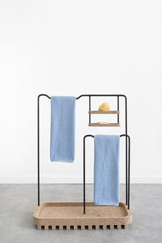 The Bug Collection of bathroom furniture was collaboratively designed by Rui Pereira and Ryosuke Fukusada. Home Design, Module Design, Bathroom Collections, Banquette, French Interior, Deco Design, Bathroom Furniture, Furniture Collection, Interiores Design