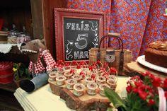 Festa da Maria |  5 anos  -  Chapeuzinho Vermelho pelo cerrado afora!