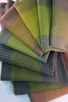 Daryl's Blog » Blog Archive » Something about two birds and a stone… Weaving Designs, Weaving Projects, Weaving Patterns, Loom Weaving, Hand Weaving, Knitting Patterns Boys, Swedish Weaving, Weaving Textiles, Textile Design