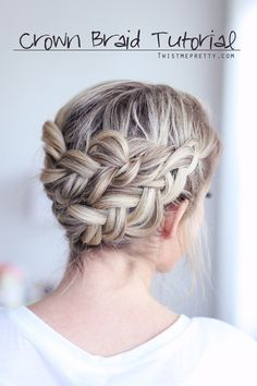 Gorgeous braid and super easy too!  Checkout the video tutorial at twistmepretty.com!
