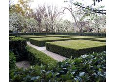 For the front yard of this French Normandy–style house, Shrader found inspiration in the homeowner's extensive art collection. A graphic layout of… Modern Landscape Design, Modern Landscaping, Front Yard Landscaping, Landscaping Ideas, Contemporary Landscape, Los Angeles Landscape, Formal Garden Design, Modern Front Yard, Garden Hedges