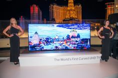CES 2014: SAMSUNG DEBUTS BENDABLE TV