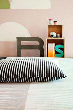 Finlayson Oiva bed linen set I Oiva-pussilakanasetti 46 € Loft Conversion Velux Windows, Bed Linen Sets, Luminaire Design, Wooden Decks, Living Room Kitchen, Scandinavian Style, Location, Linen Bedding, Decorating Tips