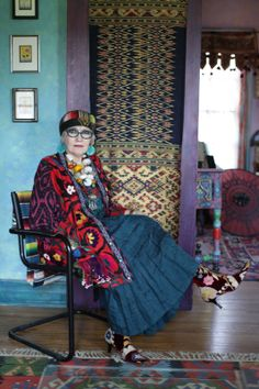 ADVANCED STYLE - I visited designer Suzi Click at her extraordinary Los Angeles home over the weekend, Fashion Moda, Look Fashion, Stylish Older Women, Mature Fashion, Advanced Style, Ageless Beauty, Aging Gracefully, Boho, Old Women