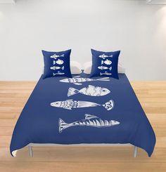 Poisson nautique housse de couette bleue personalizable Literie Décor jet accent Femme cadeau Appartement côtier lac maison de plage l'océan par Narais sur Etsy https://www.etsy.com/ca-fr/listing/466482493/poisson-nautique-housse-de-couette-bleue