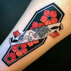 Awesome Tattoos that are awesome for a reason. These talented tattoo artists and brave tattoo wearers have created the coolest tattoos ever. Kritzelei Tattoo, Tattoo Dotwork, Herz Tattoo, Get A Tattoo, Sanskrit Tattoo, Change Tattoo, Rock Tattoo, Death Tattoo, Tattoo Flash