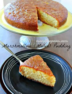 Moist and delicious pudding smothered in an orange-flavored creamy sauce that will make your taste buds sing - Marshmallow (Malva) Pudding Pudding Recipes, Cake Recipes, Dessert Recipes, Dessert Dishes, Party Recipes, Baking Recipes, Trifle Pudding, Pudding Cake, Malva Pudding