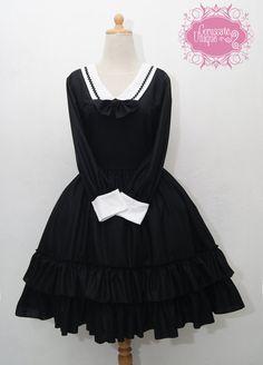 Black And White Classic Sweet Dress With Big Ribbon #lolita #fashion #kawaii #fairykei #morikei #retro #alice #wonderland