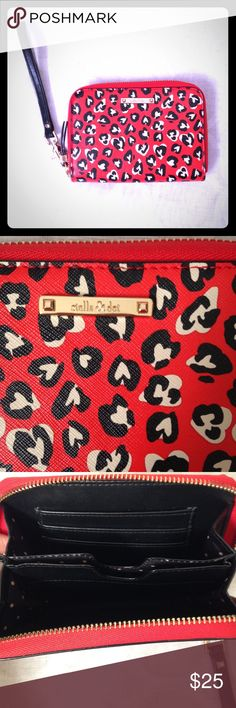Stella & Dot Wildhearts Wristlet NWOT Stella & Dot Wild Hearts wallet and wristlets. Never been used. Beautiful, fun and spaciousness. ❤ great gift for yourself or someone else. Stella & Dot Bags Wallets