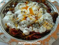 Kurutulmuş sebze yoğurtlaması tarifi Kuru patlıcan biber kavurması tarifi Kurutmalık patlıcan biber yoğurtlaması nasıl yapılır   ...